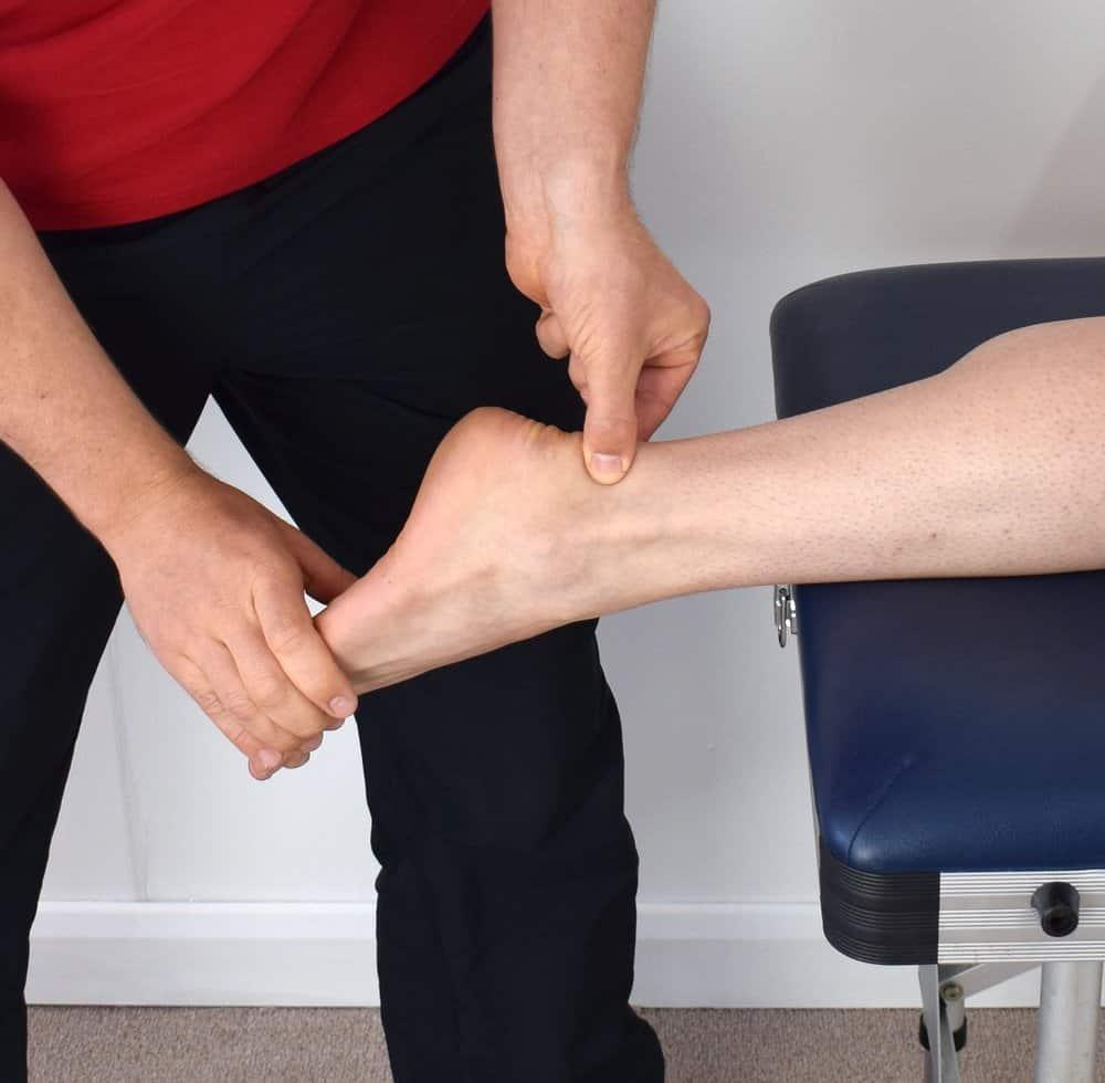 chữa trị lật sơ mi cổ chân