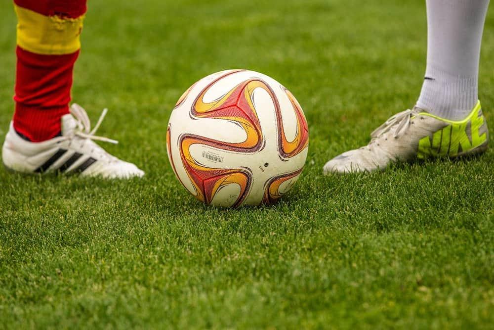 quả bóng đá tiêu chuẩn cho các loại sân