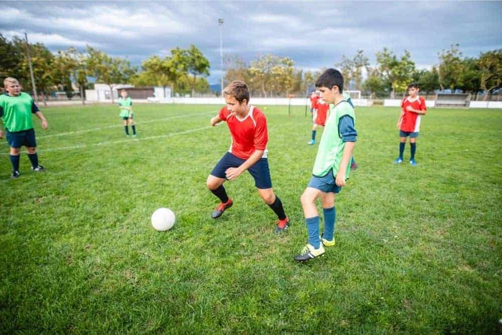 2 cầu thủ bóng đá